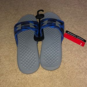 Under Armour blue flip flops brand new